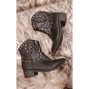 Route 66 studded boots.
